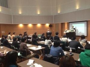 横浜話し方教室は、あがり症で悩む方が、お互いに励ましあえる雰囲気です。